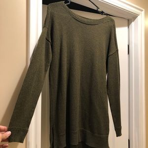 OLD NAVY • Olive High-Low Chunky Sweater
